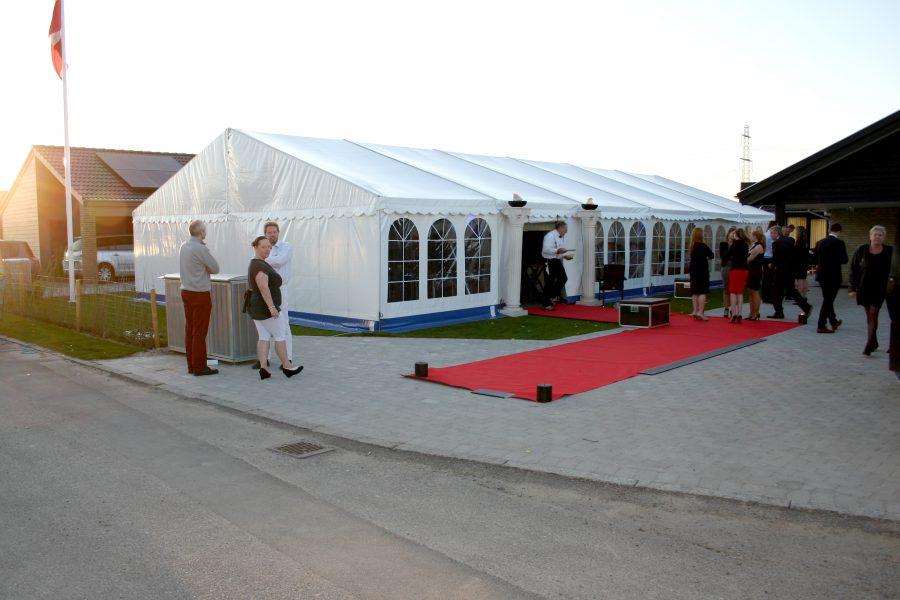 9 m telt udlejes