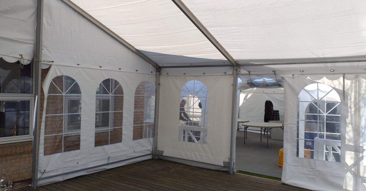 Sammenbyggede telte i flere niveuaer